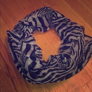 Animal 🐆 print scarf